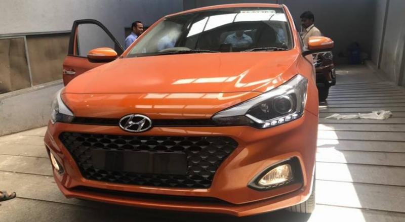 Hyundai i20 Elite Facelift की क्लियर तसवीरें; नए नारंगी रंग में