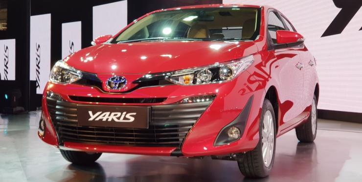Toyota Yaris Sedan (Maruti Ciaz और Honda City चैलेंजर) हुई Auto Expo 2018 में अन्वेल…