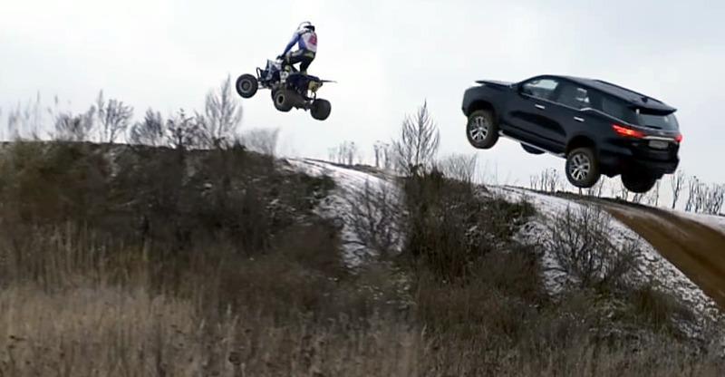 ATV जैसी उड़ती है ये Toyota Fortuner SUV, खुद देखिये…