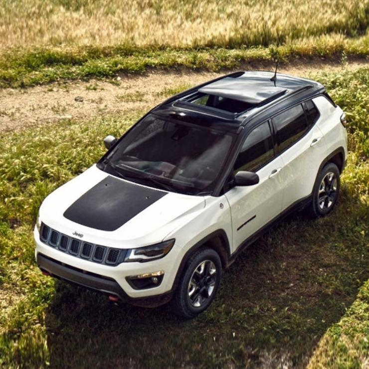 Jeep Compass 4X4 TrailHawk SUV की India बुकिंग्स हुईं शुरू