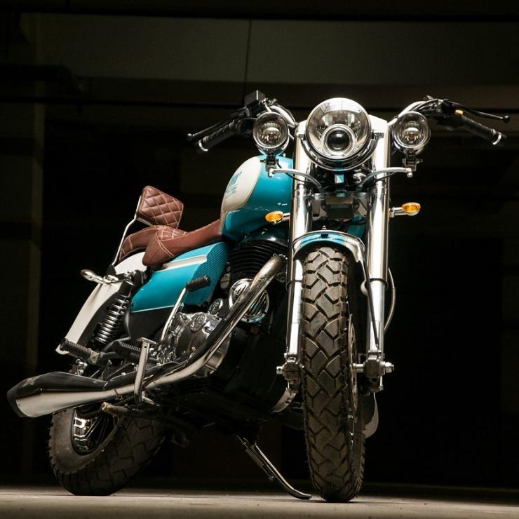 Eimor Customs की Modified Royal Enfield Bullet 350 Mini-Harley Davidson जैसी दिखती है…