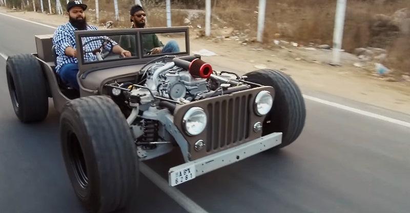 इस Jeep Rod में Toyota Supra का इंजन है!