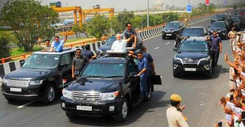 BMW से Scorpio तक, प्रधानमंत्री Narendra Modi के काफिले में शामिल होती हैं ये गाड़ियां…