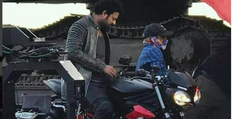 Baahubali के Prabhas को देखा गया Triumph Street Triple RS के साथ, लेकिन क्यों?