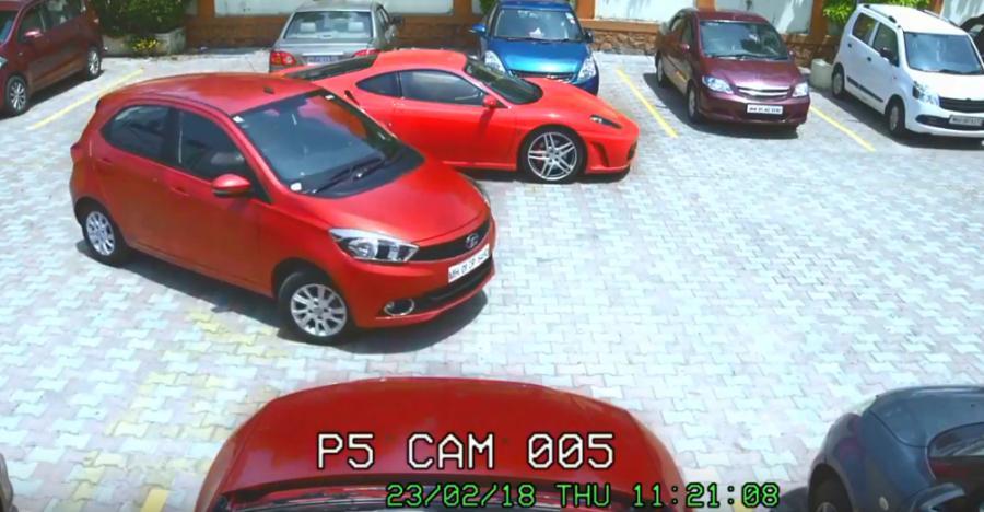 चोर ने Ferrari छोड़कर Tiago चुराई; सच या झूठ?
