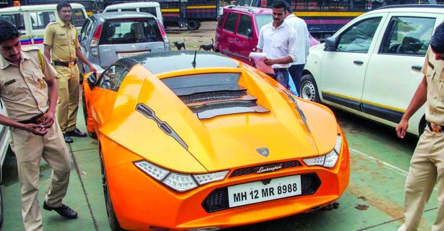 Mumbai पुलिस को लगा उसने Lamborghini ज़ब्त की है, लेकिन असल में वो कोई और कार थी…