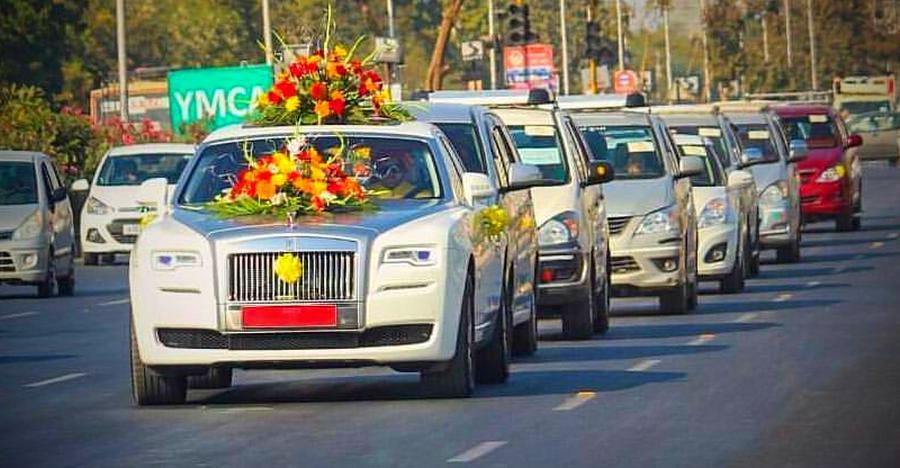 Rolls Royce Ghost से Aston Martin Vanquish तक: भारत की निहायती महंगी वैडिंग कार्स