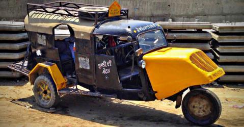 Jugaad से लेकर Tempo तक; 10 ऐसी अजीब गाड़ियाँ जो आप सिर्फ इंडिया में ही देख सकते हैं