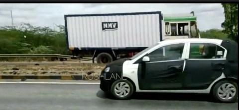 नयी Hyundai Santro टेस्ट म्यूल को फिर से हाईवे पर चलते फिल्माया गया!