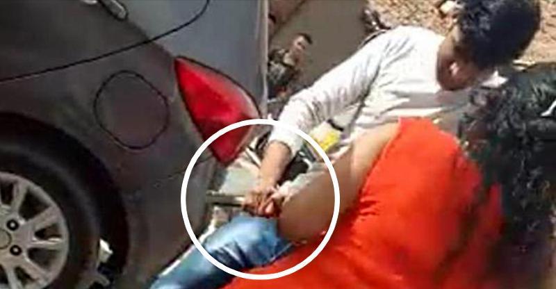 रास्ता ब्लॉक करने पर स्कूटर सवार औरत ने ऑटो रिक्शॉ ड्राइवर पर चलाई गोली [वीडियो]