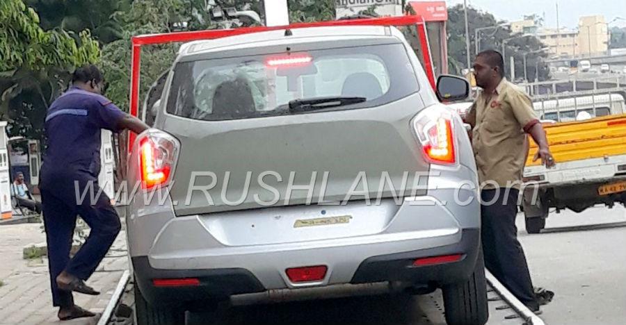 Maruti Brezza को टक्कर देने वाली नयी Mahindra SUV के नए स्पाईशॉट्स आ गए हैं!