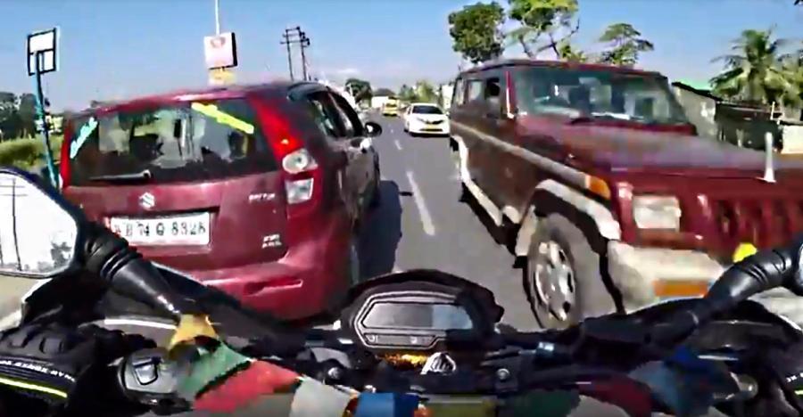5 विडियो जहां मोटरसाइकिल राइडर्स की जान ABS की महिमा से बची…