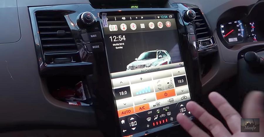 Toyota Fortuner में नज़र आया Tesla-स्टाइल जैसा टचस्क्रीन [विडियो]