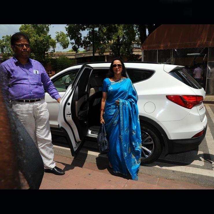 Hema Malini Suv Audi