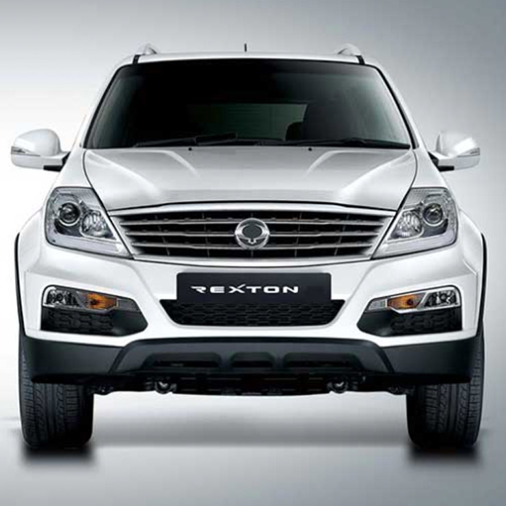 Mahindra Rexton April 2018 Discount