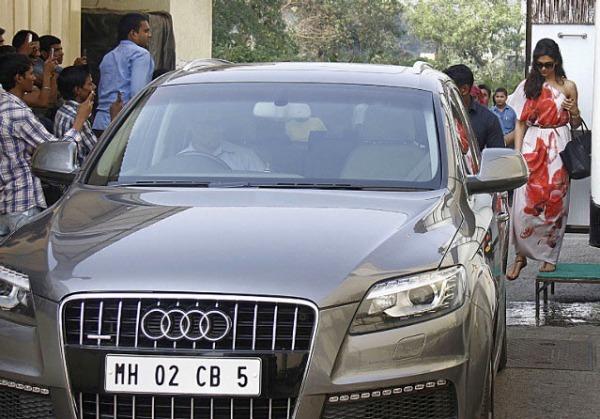 Deepika Padukone Audi Q7