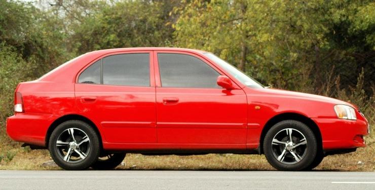 Hyundai Accent Viva Red