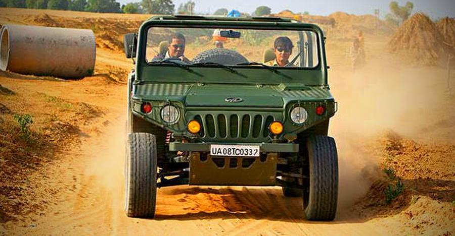Mahindra Axe Sand Featured