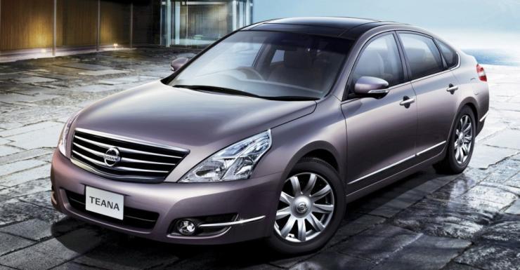 Nissan Teana Silver