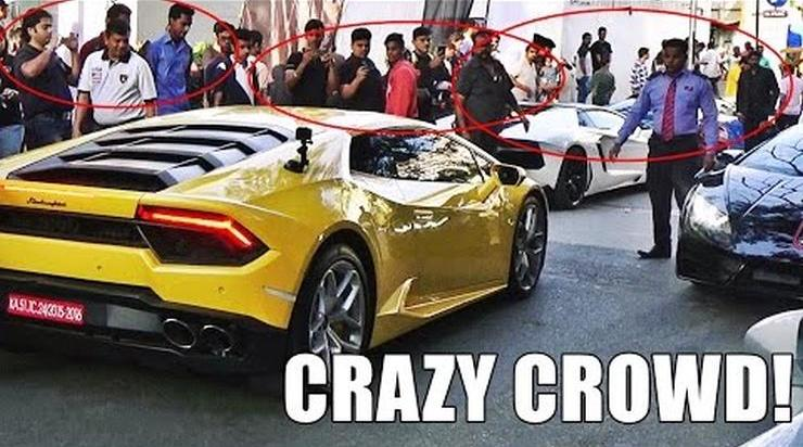 People Crowd Around Lamborghini In India 1