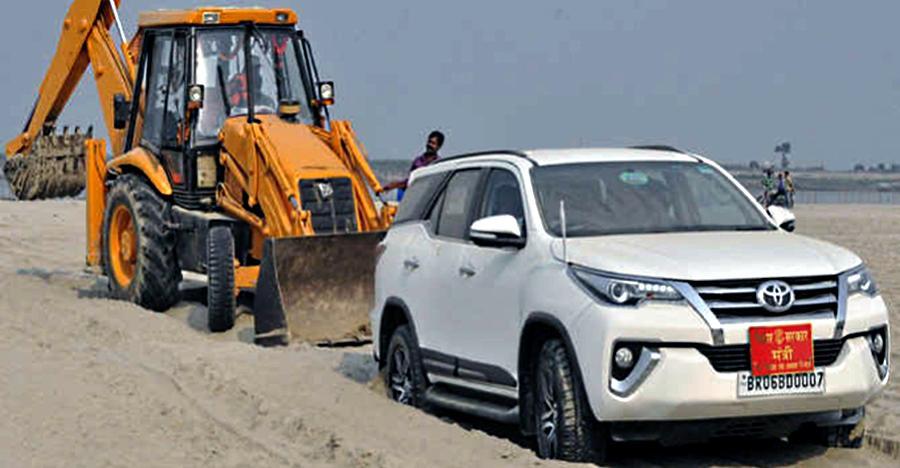 Mahindra Scorpio से Toyota Fortuner: 4 व्हील ड्राइव SUVs के बारे में ये 10 बातें आपको पक्का नहीं पता होंगी