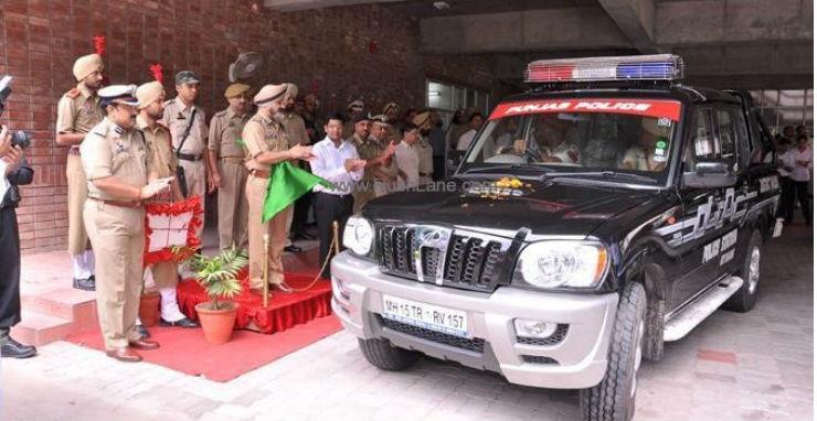 Mahindra Getaway Police