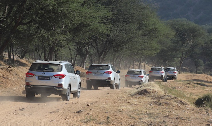 Mahindra Alturas Off Roading 1