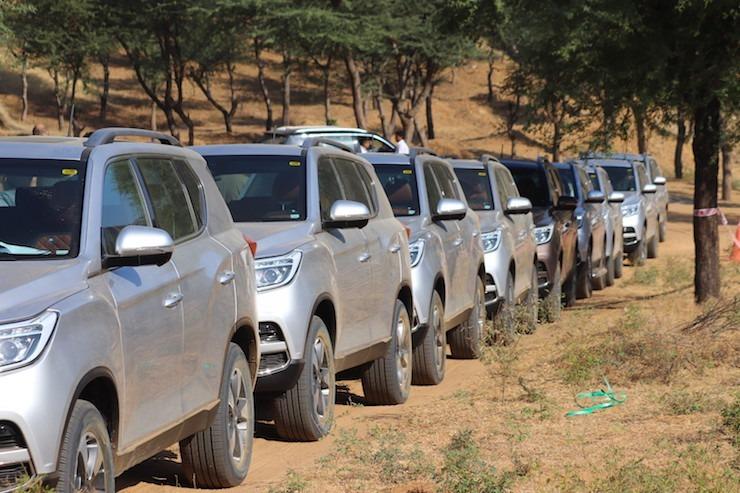 Mahindra Alturas Off Roading 2