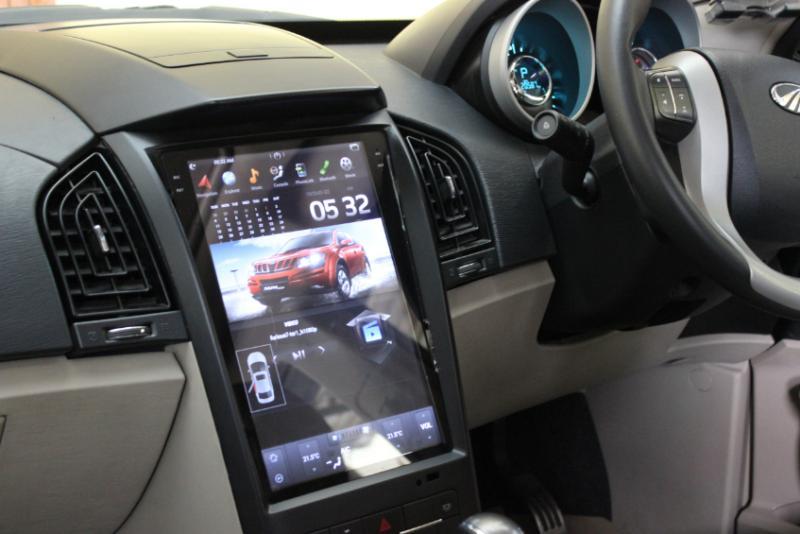 Mahindra Xuv500 With Tesla Style Touchscreen
