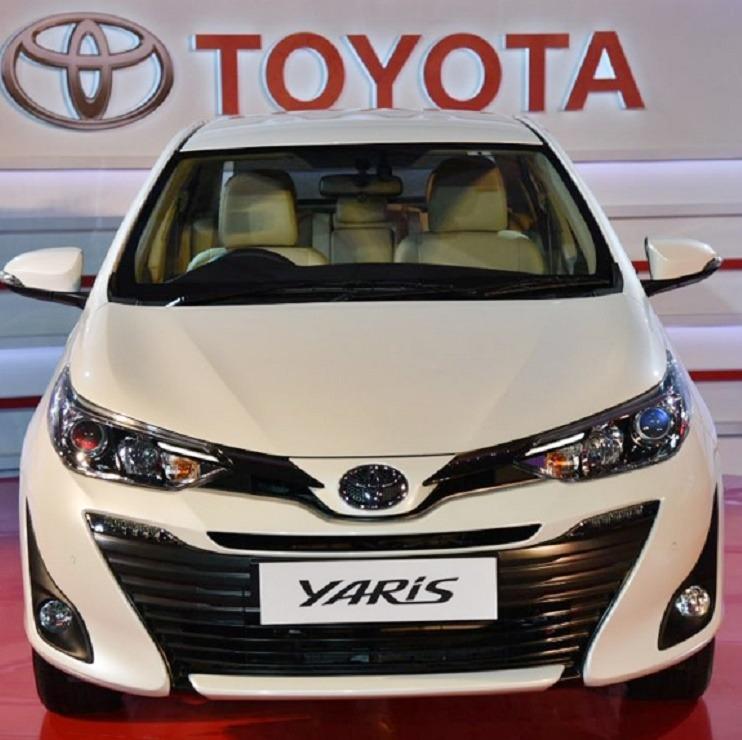 Toyota Yaris White