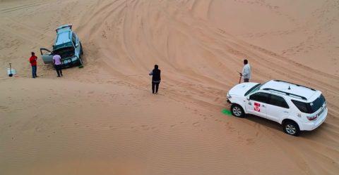 फँस गयी Mitsubishi Pajero; कुछ इस तरह बचाया उसे Fortuner ने!