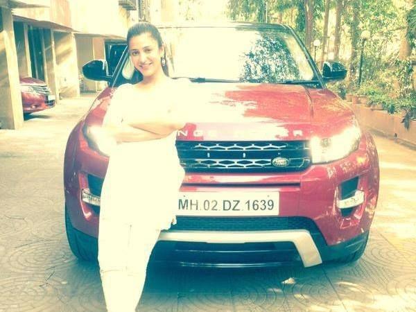 Shruti Hassan Range Rover