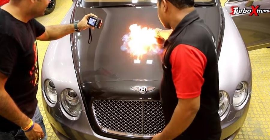 4 करोड़ की Bentley में लगाई आग, ये दर्शाने के लिए की पेंट पर कोटिंग कितनी अच्छी है!