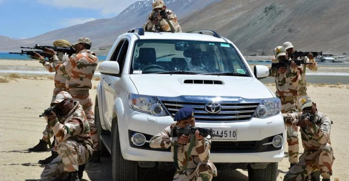 Indian Army और अन्य अर्धसैनिक बलों द्वारा उपयोग की गई कारें और एसयूवी: Tata Safari Storme टू Toyota Fortuner