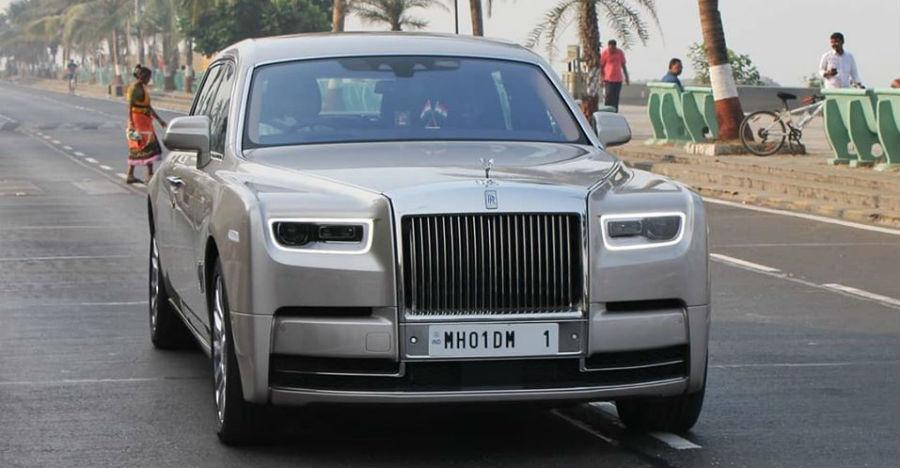 वीडियो पर Ambani के स्वामित्व वाली सभी 3 Rolls Royce कारों को देखें