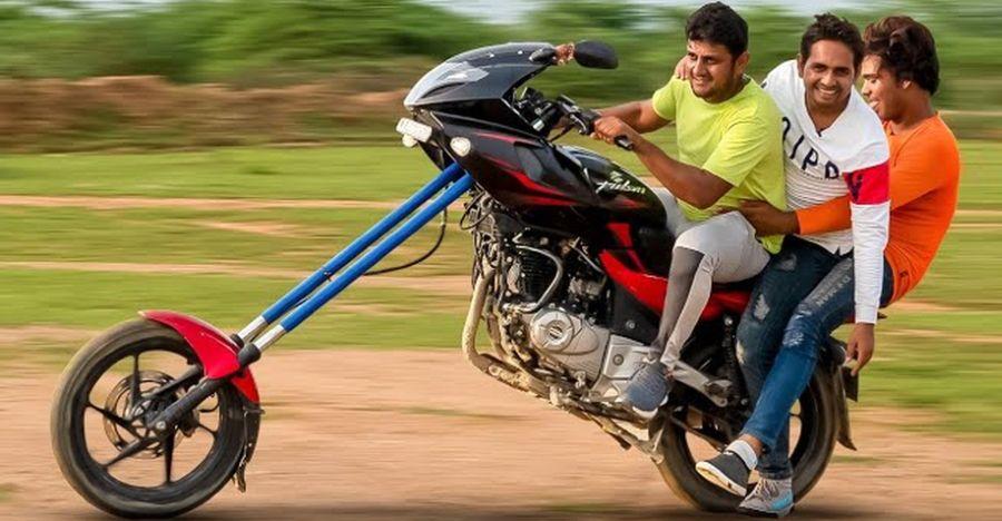 राइडिंग इंडियाज विल्डेस्ट ने संशोधित किया Bajaj Pulsar 220: [Video]
