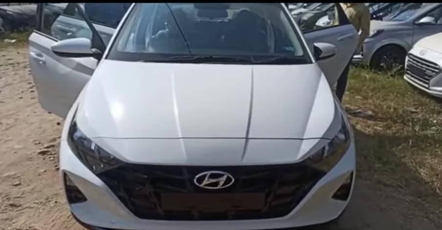 Magna ट्रिम में आगामी 2020 Hyundai i20: लॉन्च से पहले जासूसी की गई