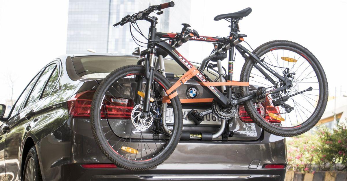 अपनी कार पर एक साइकिल ले जा रहे है? 5,000 रुपये जुर्माना देने के लिए तैयार हो जाओ, पुलिस कहती है
