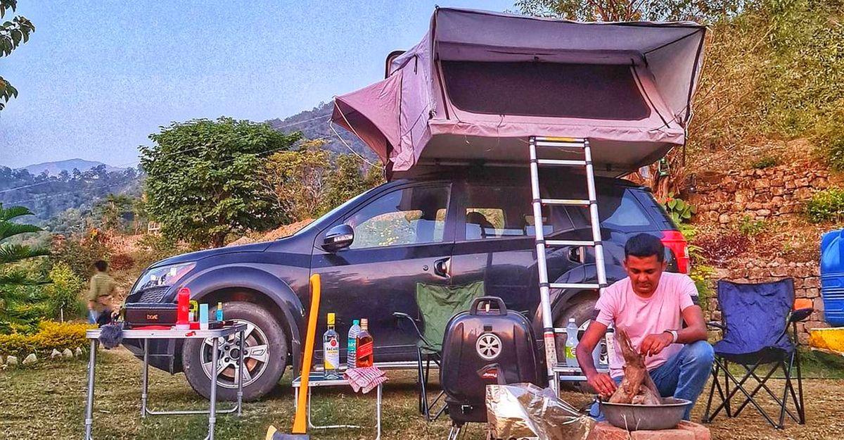 छत पर तम्बू के साथ Mahindra XUV500 हर टूरिस्ट को प्रभावित करेगी