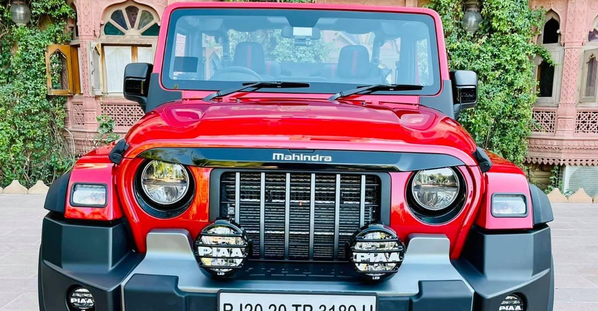 Mahindra Thar Soft-Top convertible आफ्टरमार्केट एक्सेसरीज के साथ loaded लगता है