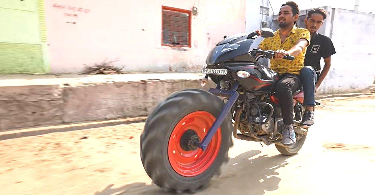 भारत का पहला ट्रैक्टर बजाज पल्सर निरपेक्षता है