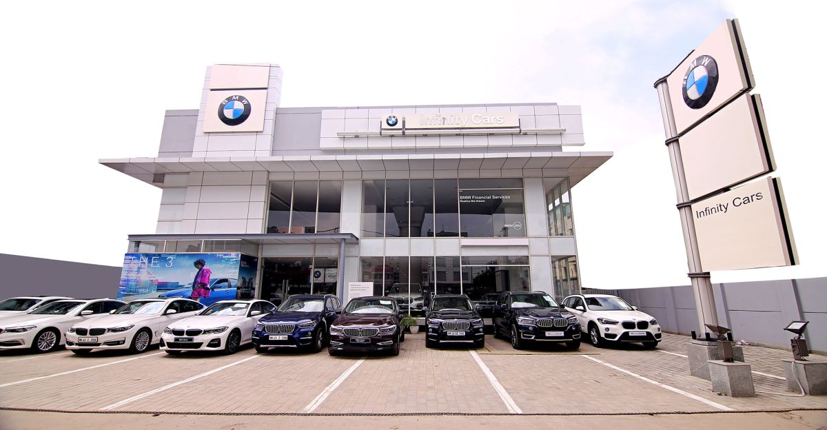 Mercedes-Benz और Audi से आगे BMW अब भारत का #1 लक्जरी कार ब्रांड है