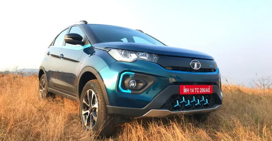 Tata Nexon Electric SUV भारत में 2,000 की बिक्री के साथ दौड़ रही है