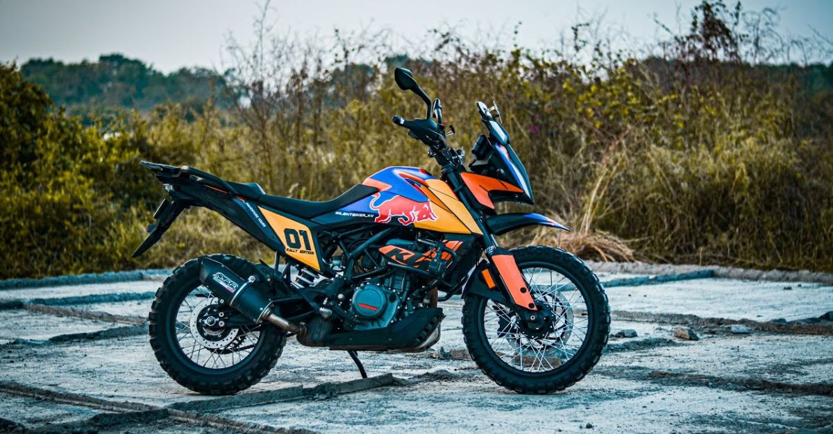 KTM Adventure 390 मोटरसाइकिल Spoke व्हील्स के साथ मॉडिफाई होकर एडवेंचर के लिए तैयार