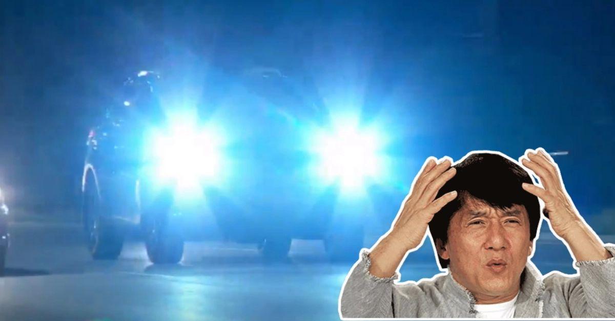 कैसे LED हेडलाइट्स और High Beams से आप अंधा होने से बच सकते हैं