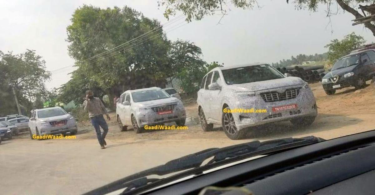 2021 Mahindra XUV500 के पेट्रोल और डीजल संस्करण एक साथ कैमरा में कैद