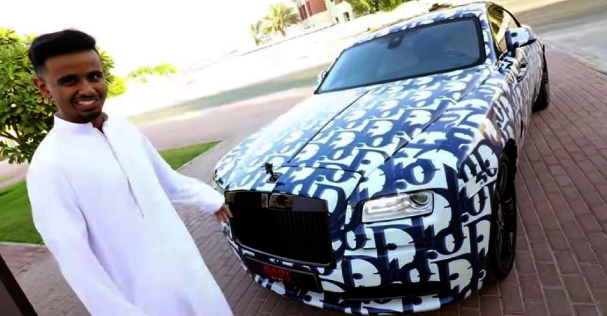 दुबई का सबसे अमीर बच्चा एक नया Rolls Royce खरीदता है