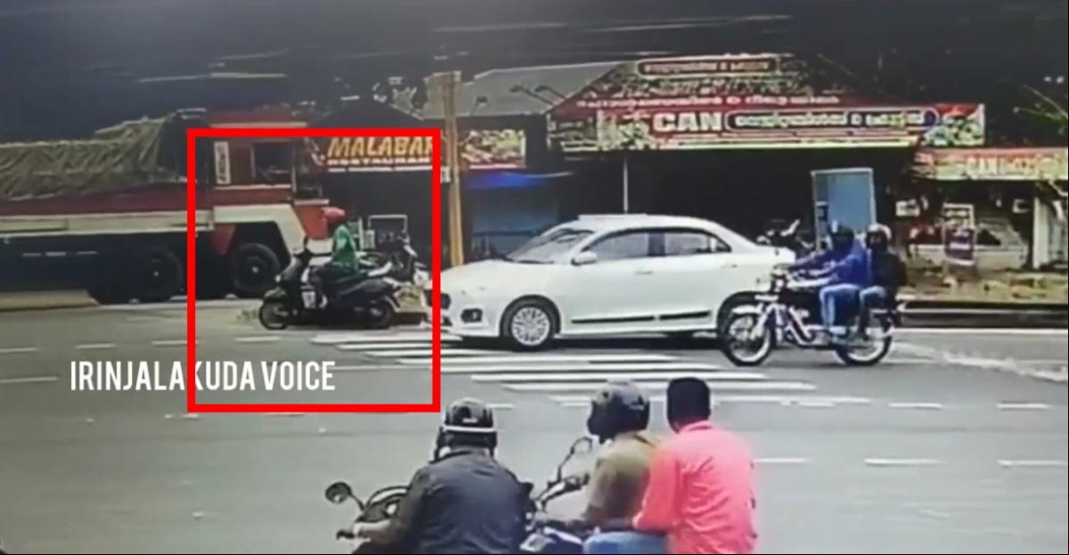 स्कूटर चालक के कुशलता के कारण एक बड़ी दुर्घटना से बाल बाल बचा और बचाव के प्रयास में भी तुरंत शामिल हो गया