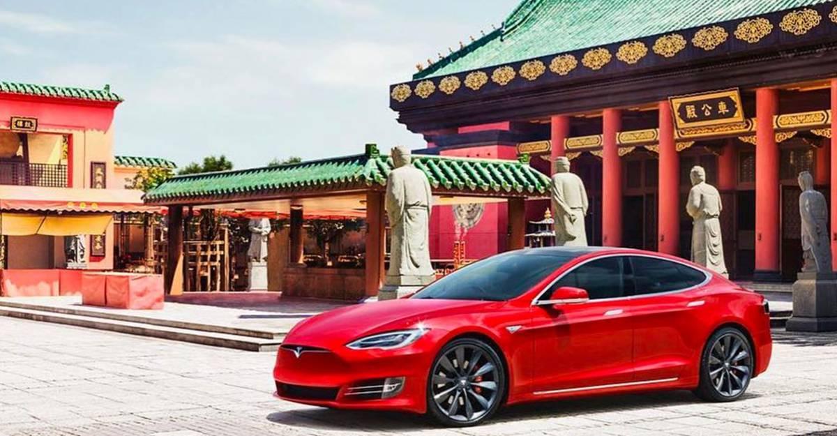 चीन अपने सरकारी कार्यालयों से Tesla कारों पर प्रतिबंध लगाता है: हम बताते है क्यों