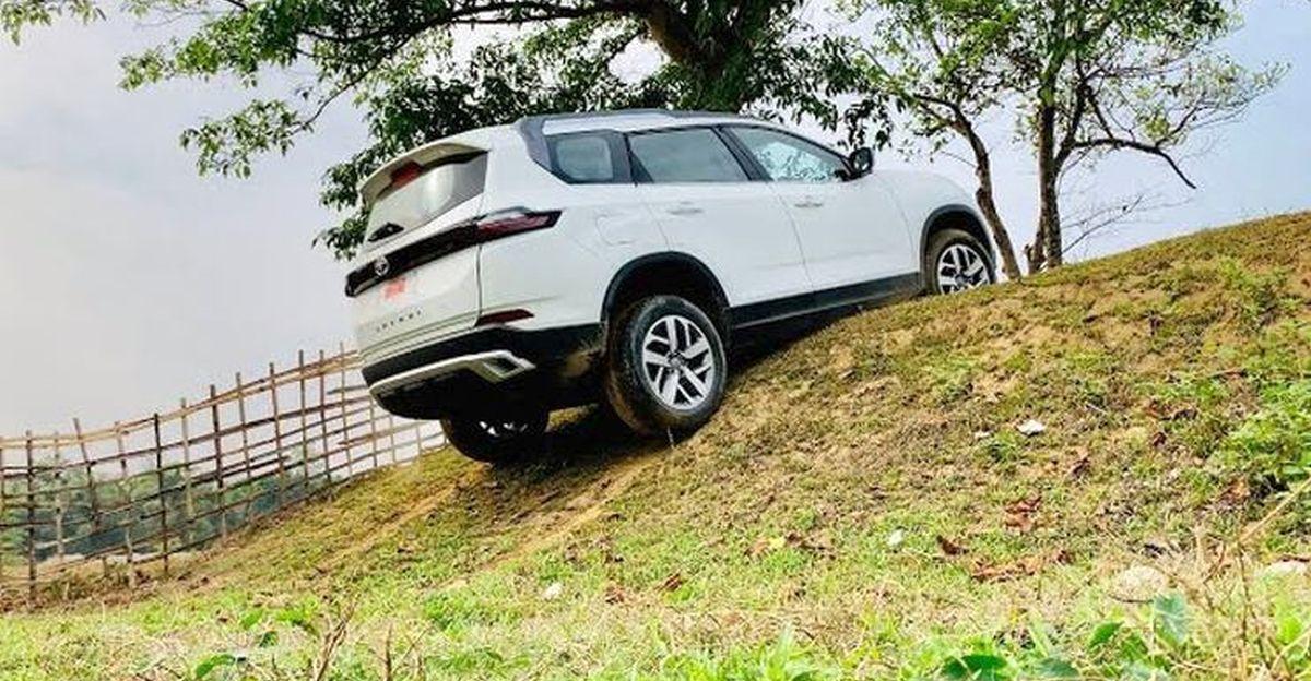 New Tata Safari दिखाती है कि क्यों front wheel चालित एसयूवी पर off roading एक बुरा विचार है